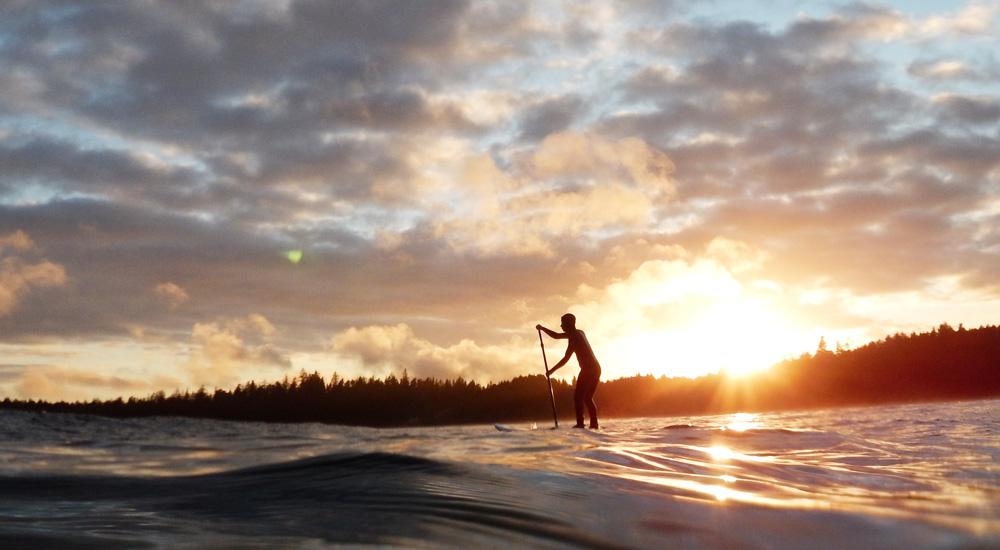sunset-stand-up-paddle-boarding-in-tofino