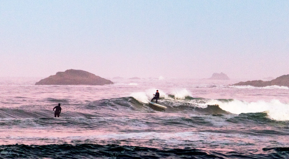 tofino paddle surfing